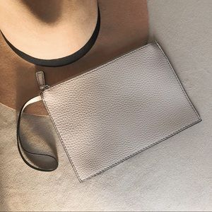 Handbags - ☆ Simple Tan Wristlet ☆